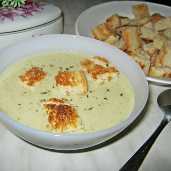 Tejszínes zellerkrémleves Iluska konyhájából