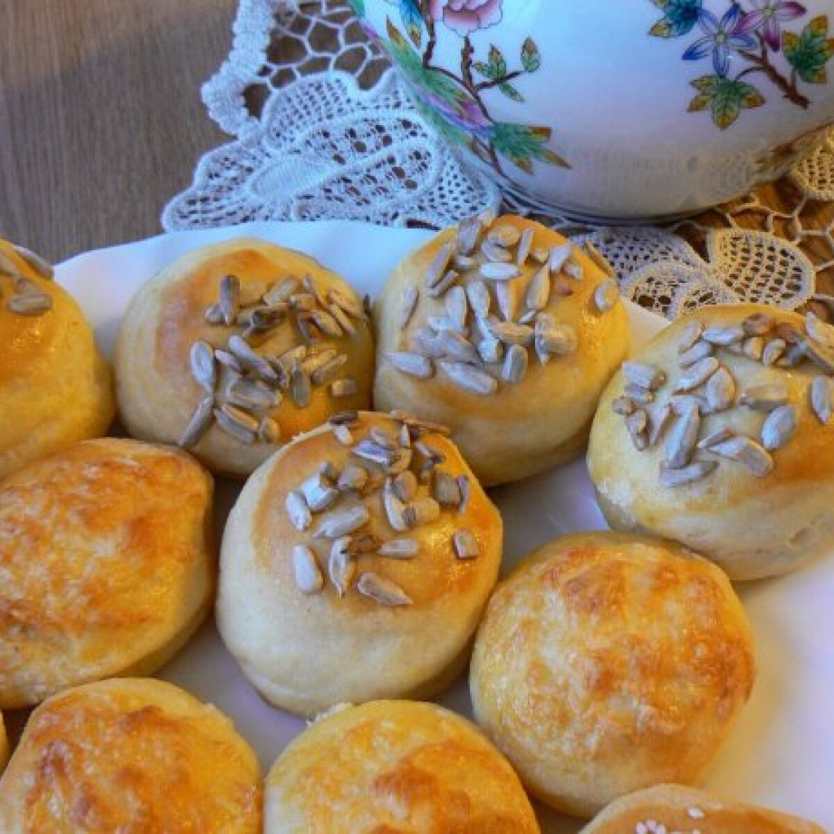 Sokmagvas sajtos pogácsa