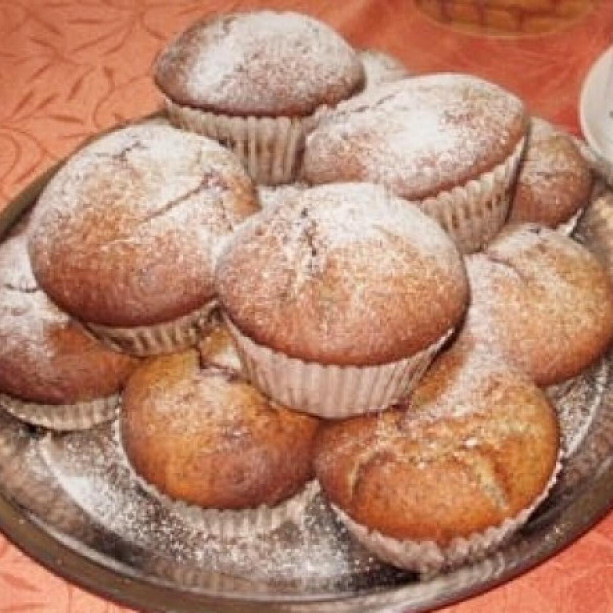 Ezen a képen: Meggyes-mákos muffin mamoka konyhájából