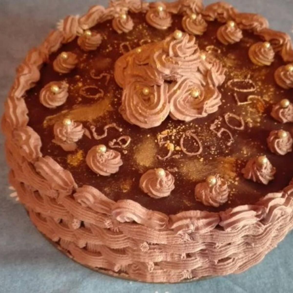 Ezen a képen: Rigó Jancsi torta