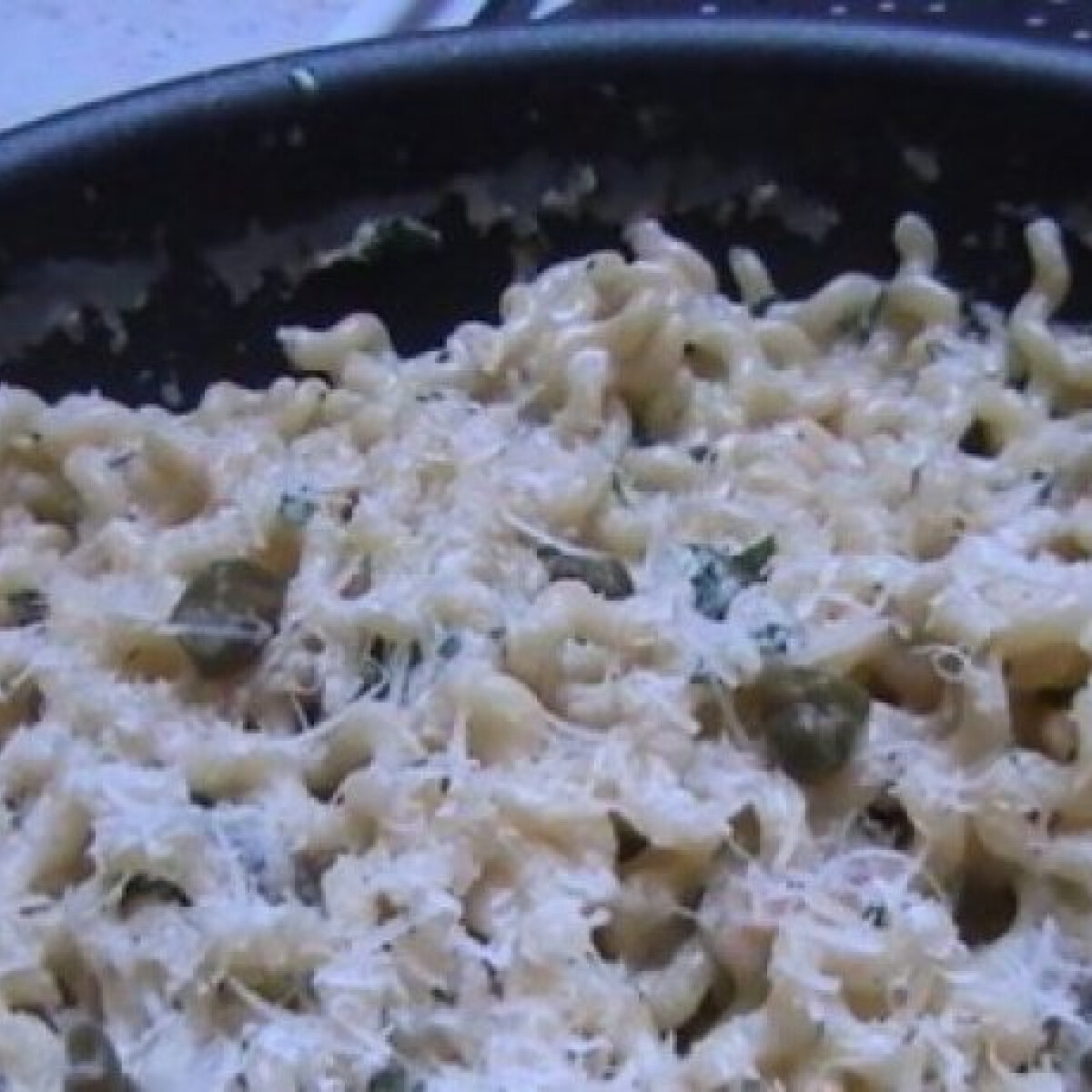 Ezen a képen: Sajtkrémes gyors tészta