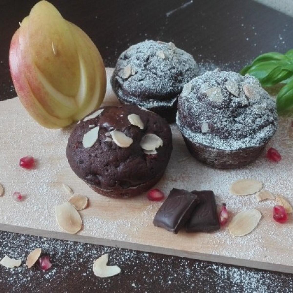 Ezen a képen: Almás-mandulás-duplacsokis muffin