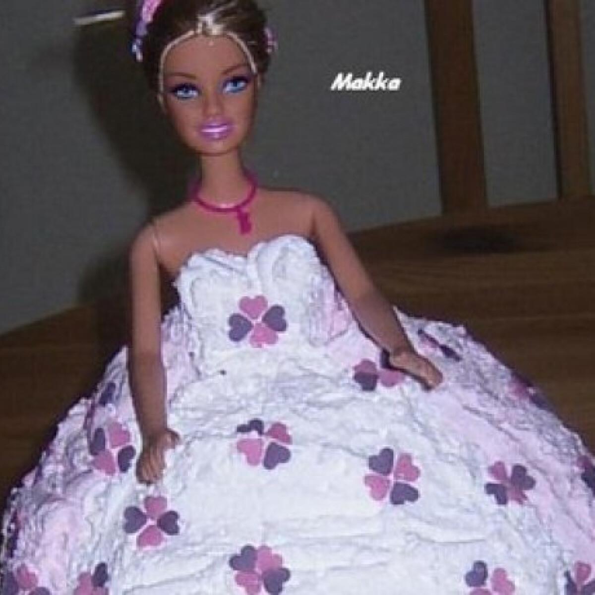 Barbie torta - karamellás krémmel