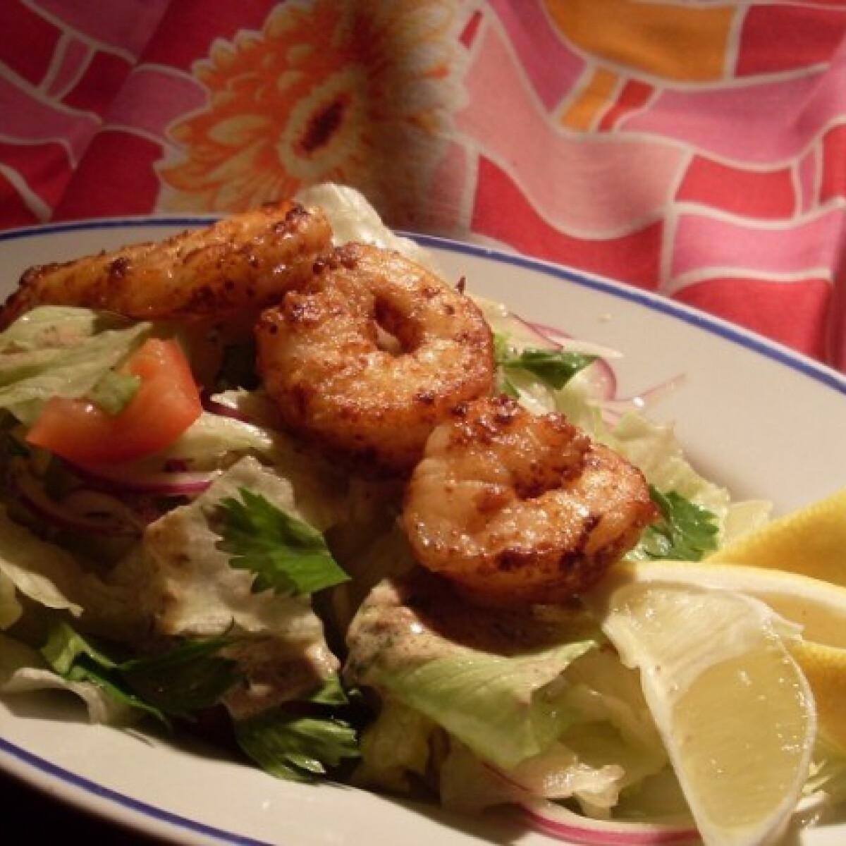 Ezen a képen: Fűszervajban sült királyrák kaporszószos salátával