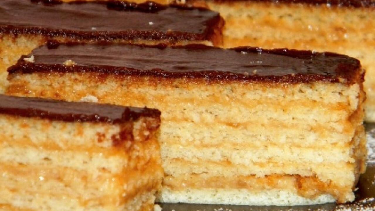 Hatlapos krémes sütemény