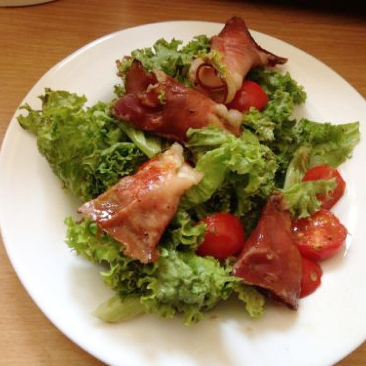 Sonkás-mozzarellás vacsorasaláta