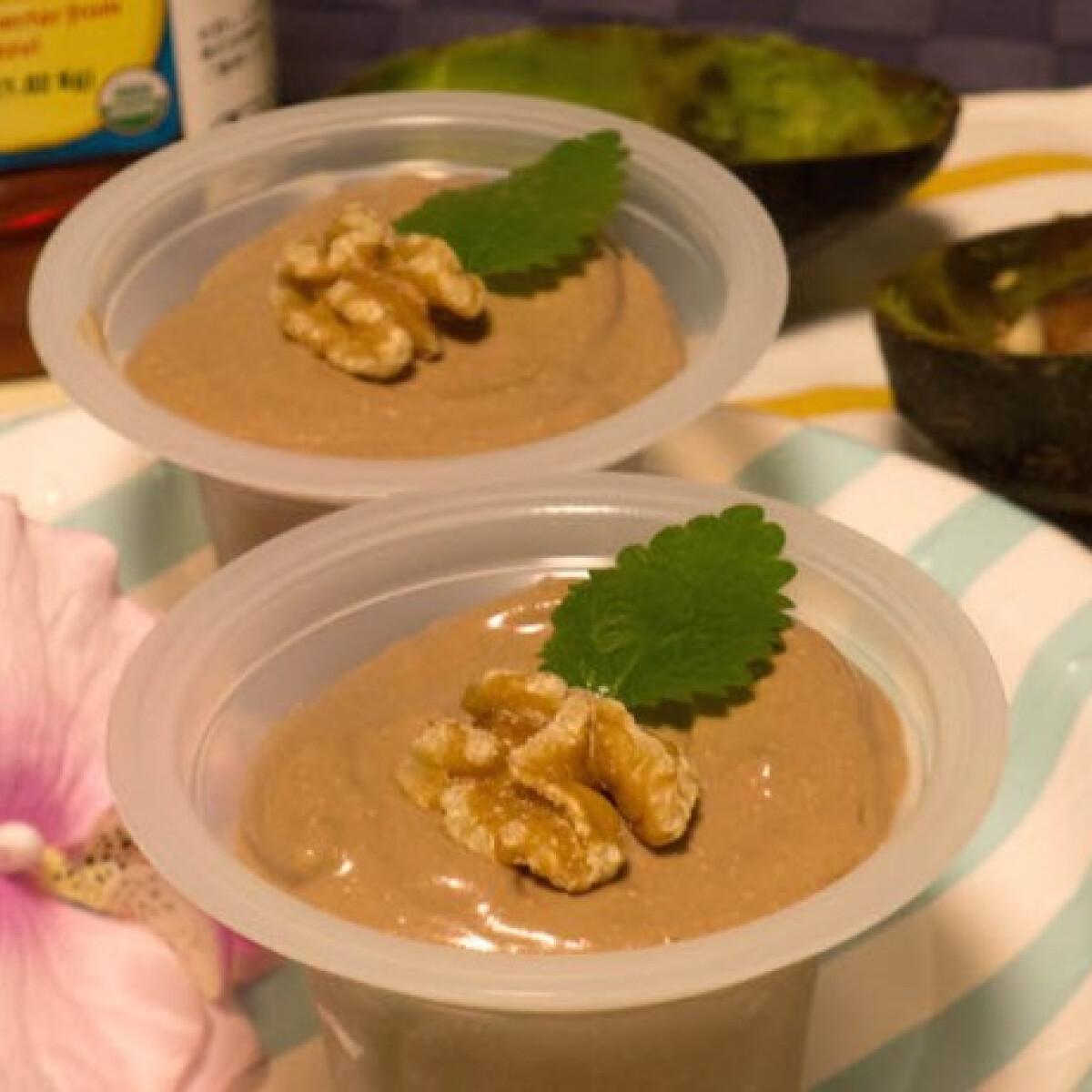 Ezen a képen: Egészséges avokádós-túrós csokikrém