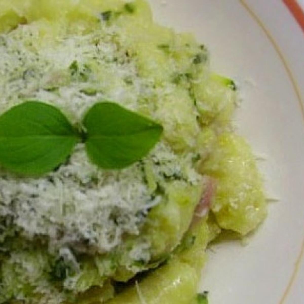 Ezen a képen: Házi készítésű gnocchi cukkinivel