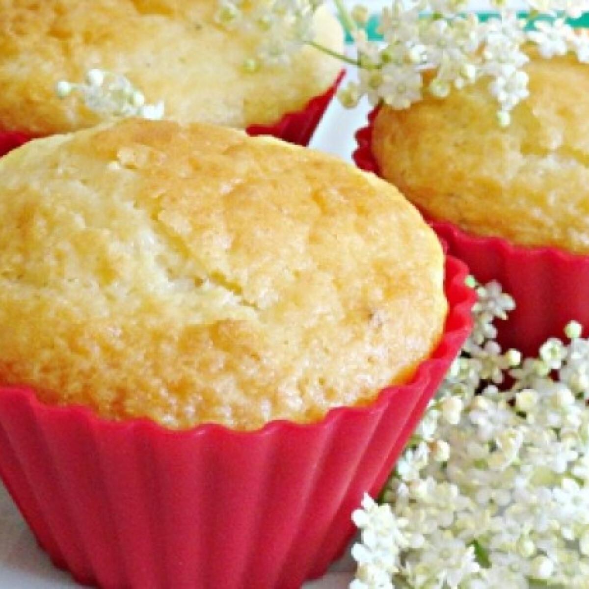 Ezen a képen: Bodzás-citromos muffin