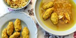 Perzsa csirkeleves ghondi-gombóccal, csicseriborsóval és sáfránnyal