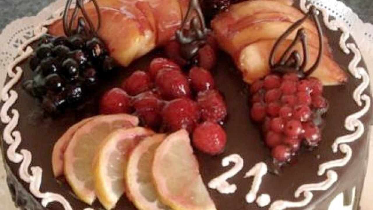 Gyümis-vaníliás torta