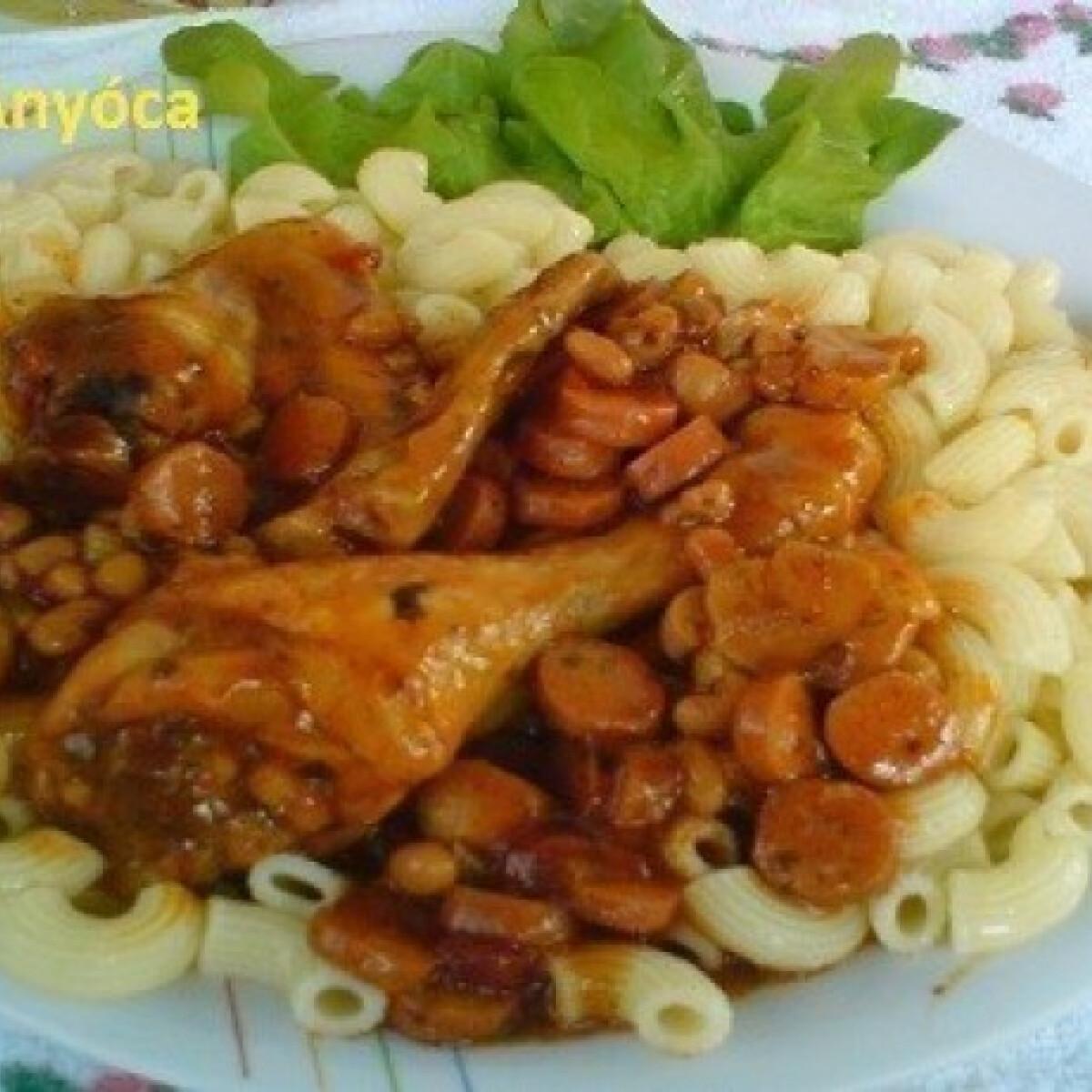 Ezen a képen: Csirke bolognais-chilis babos szósszal