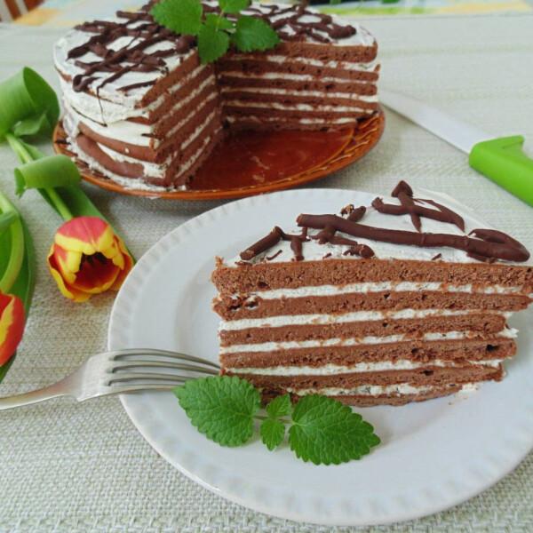 Tejfölkrémes-mézes csokoládétorta