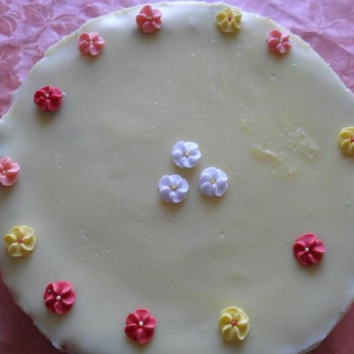 Almatorta vaníliás pudinggal