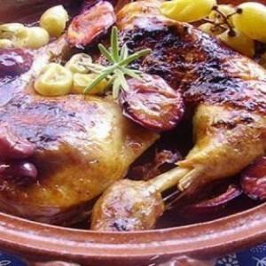 Szőlős - szilvás csirke