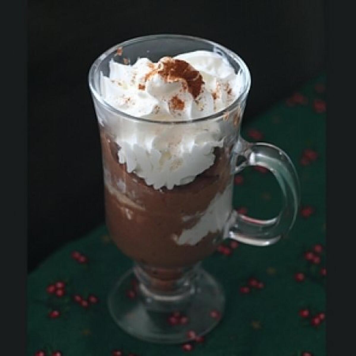 Ezen a képen: Poharas csokis gesztenyekrém