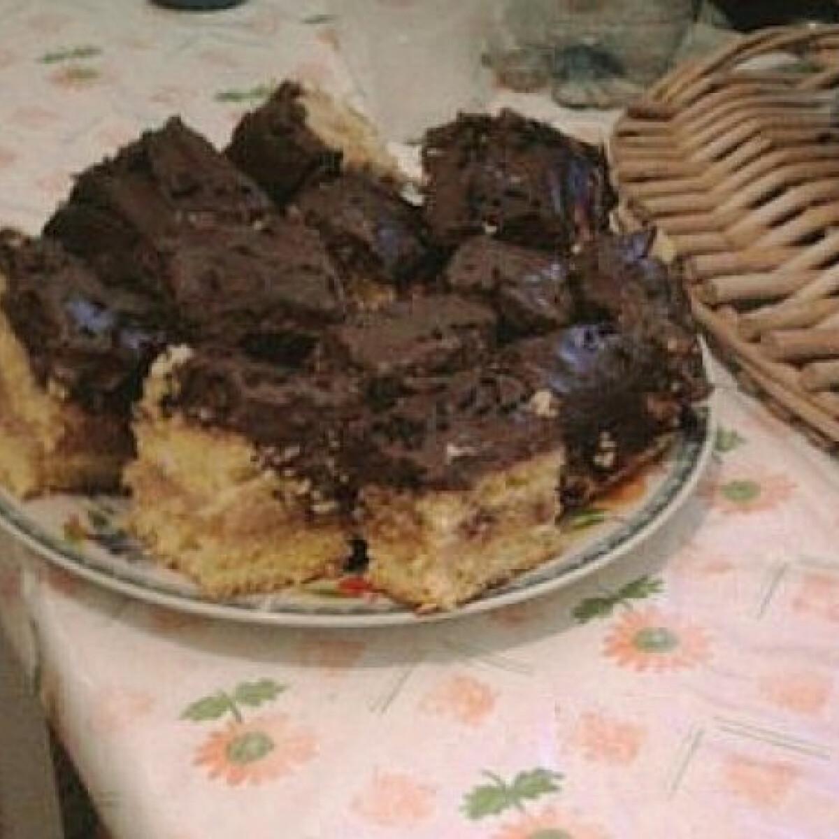 Csokis-karamellás piskótaszelet