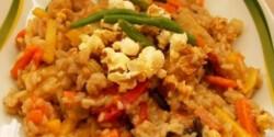 Thai zöldség pattogatott kukoricával
