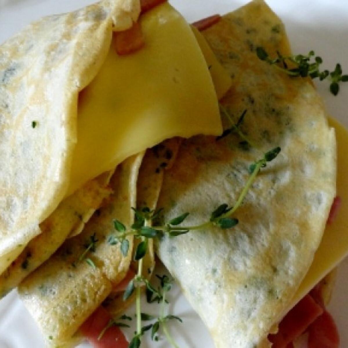 Ezen a képen: Sonkás-sajtos palacsinta