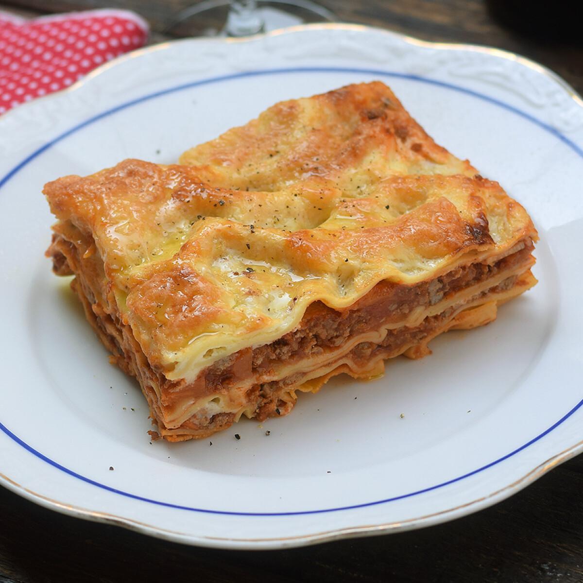 Ezen a képen: Húsos lasagne