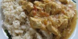 Curry-s kókuszos csirke