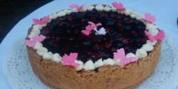 Tejfölös erdei gyümölcs torta