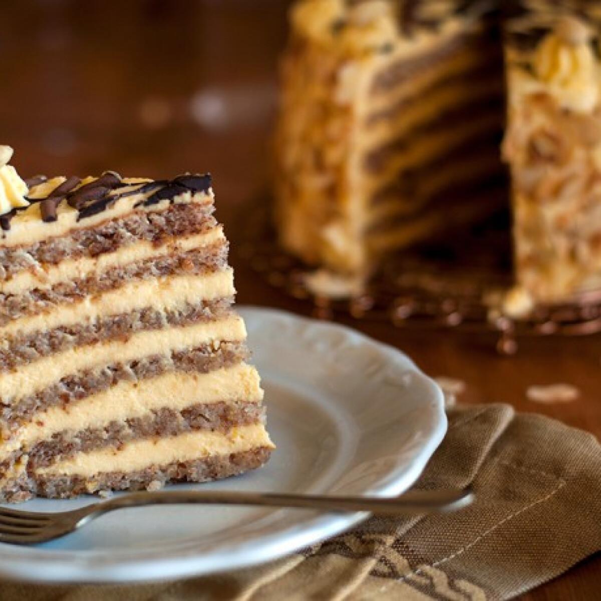 Ezen a képen: Hatlapos Eszterházy-torta