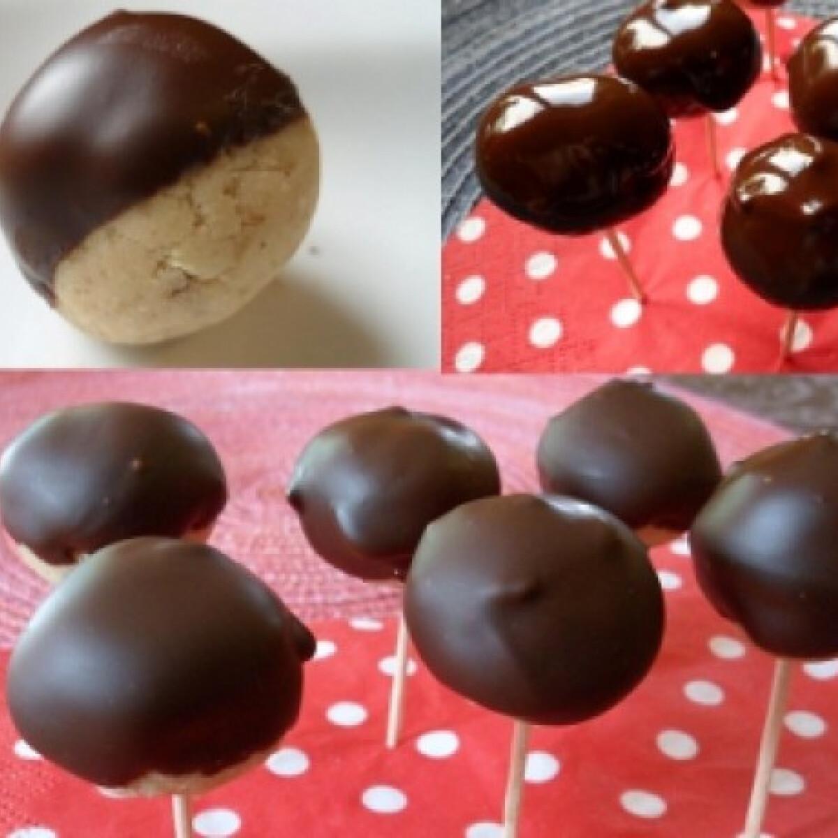Ezen a képen: Csokis-kekszes gesztenyegolyók