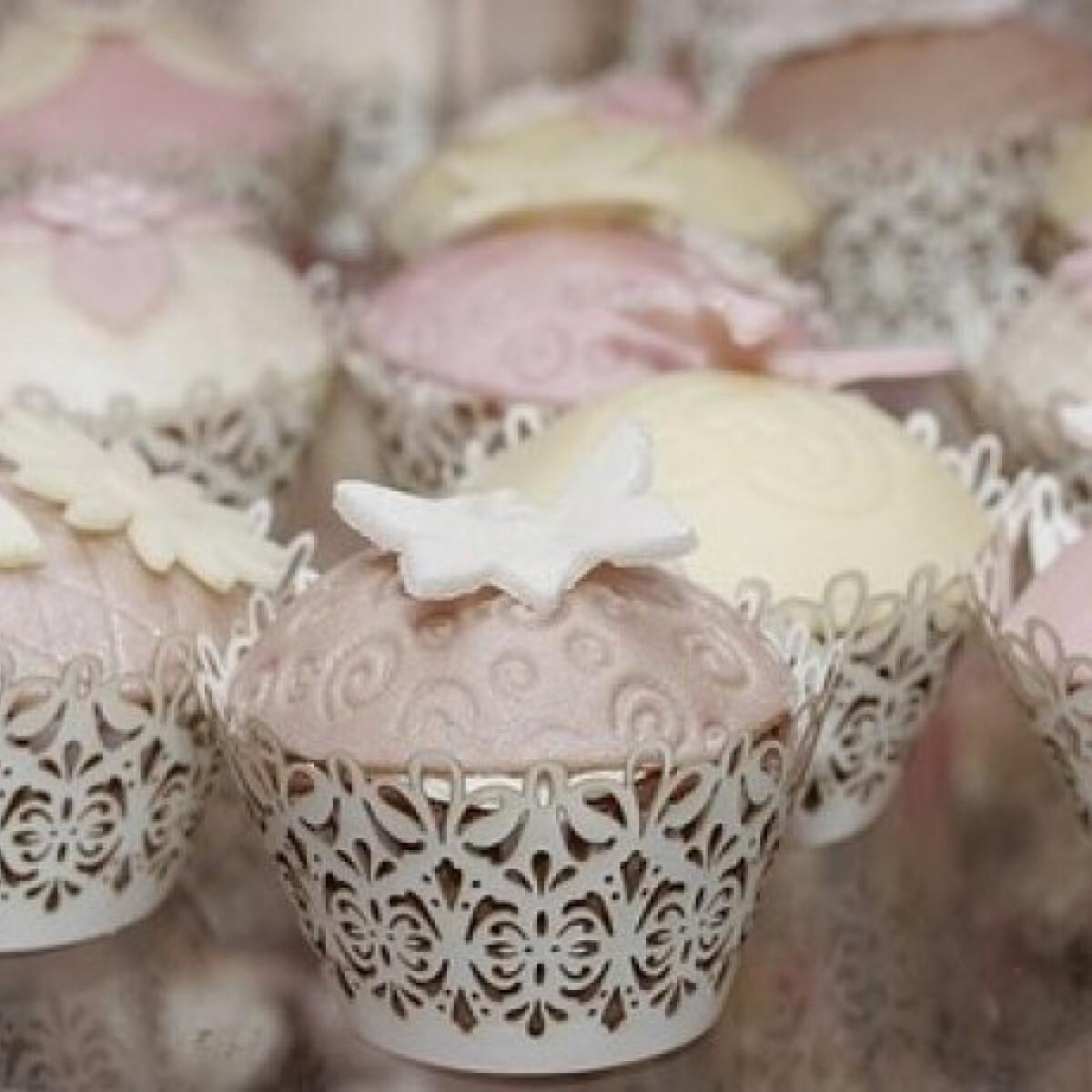 Ezen a képen: Cupcake - mini torták muffinból