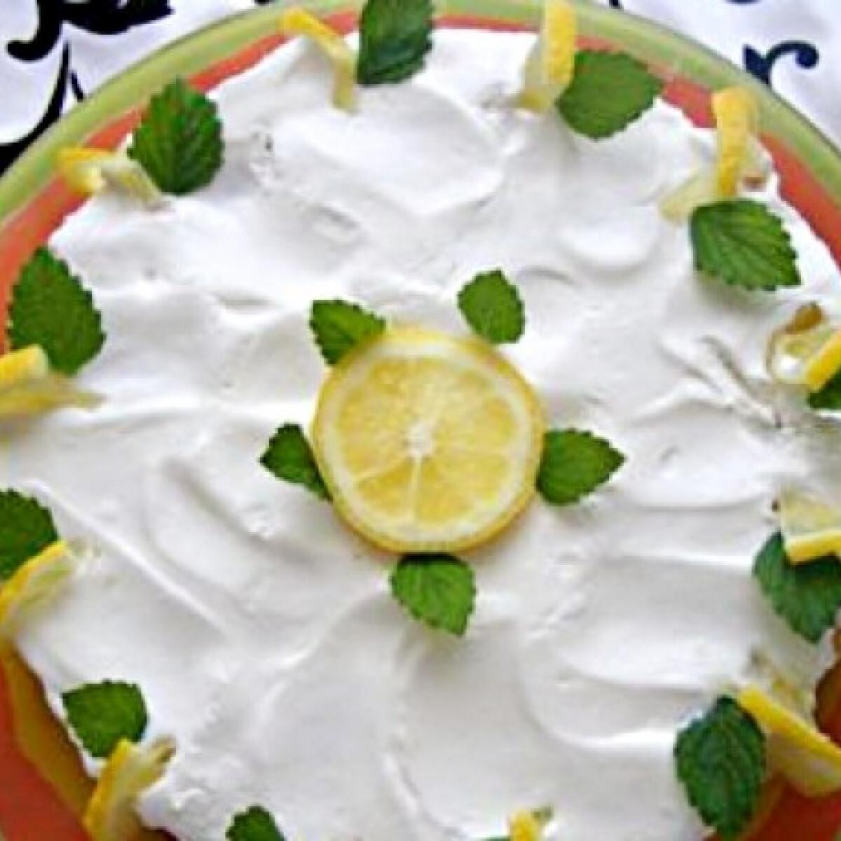 Ezen a képen: Sütés nélküli citromos torta