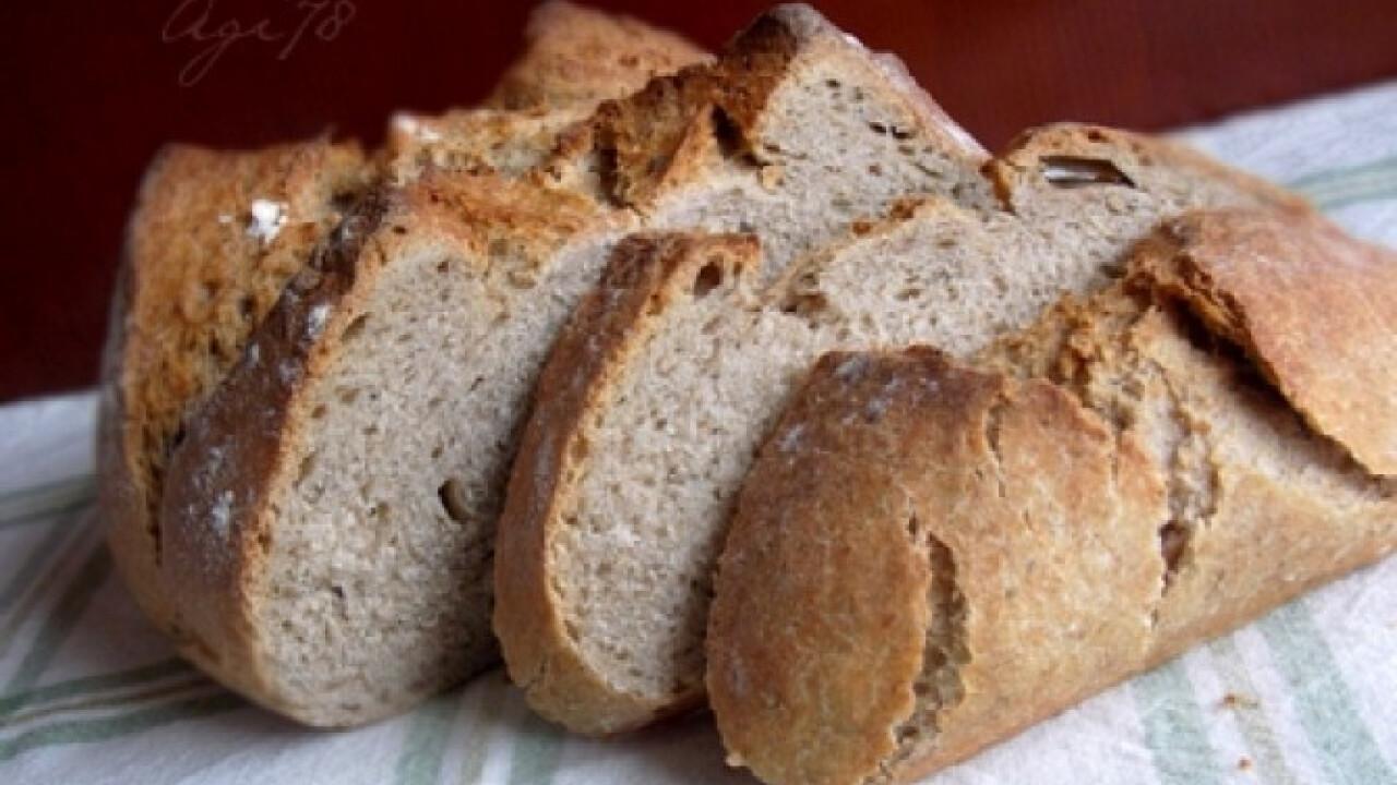 Zöldfűszeres-rozsos kovászos kenyér