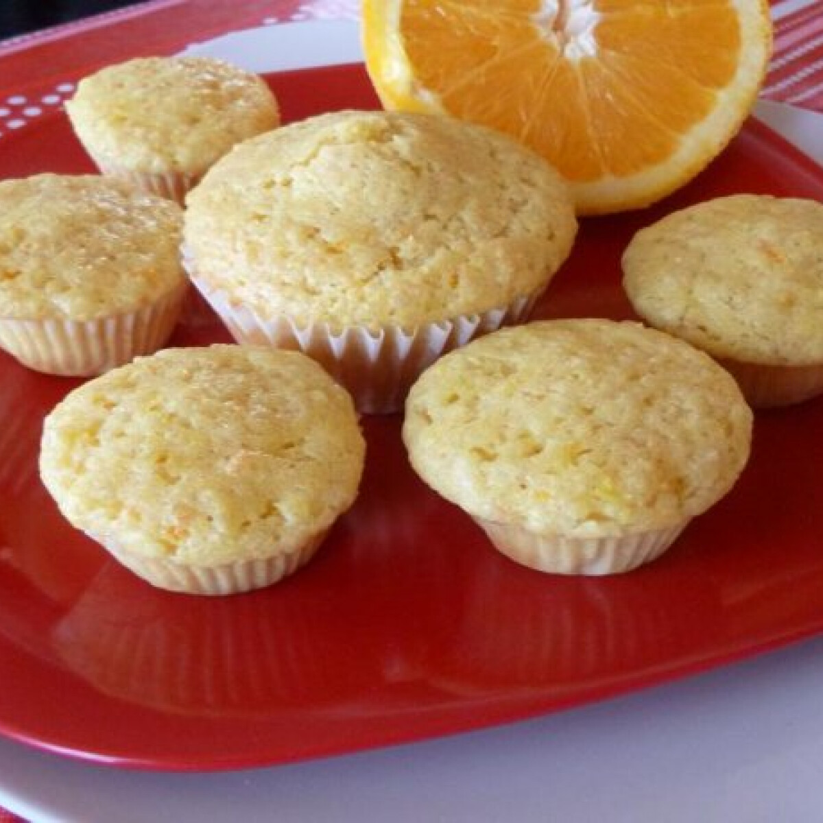 Ezen a képen: Narancs muffin