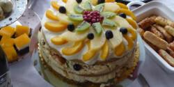 Gyümölcssaláta-torta