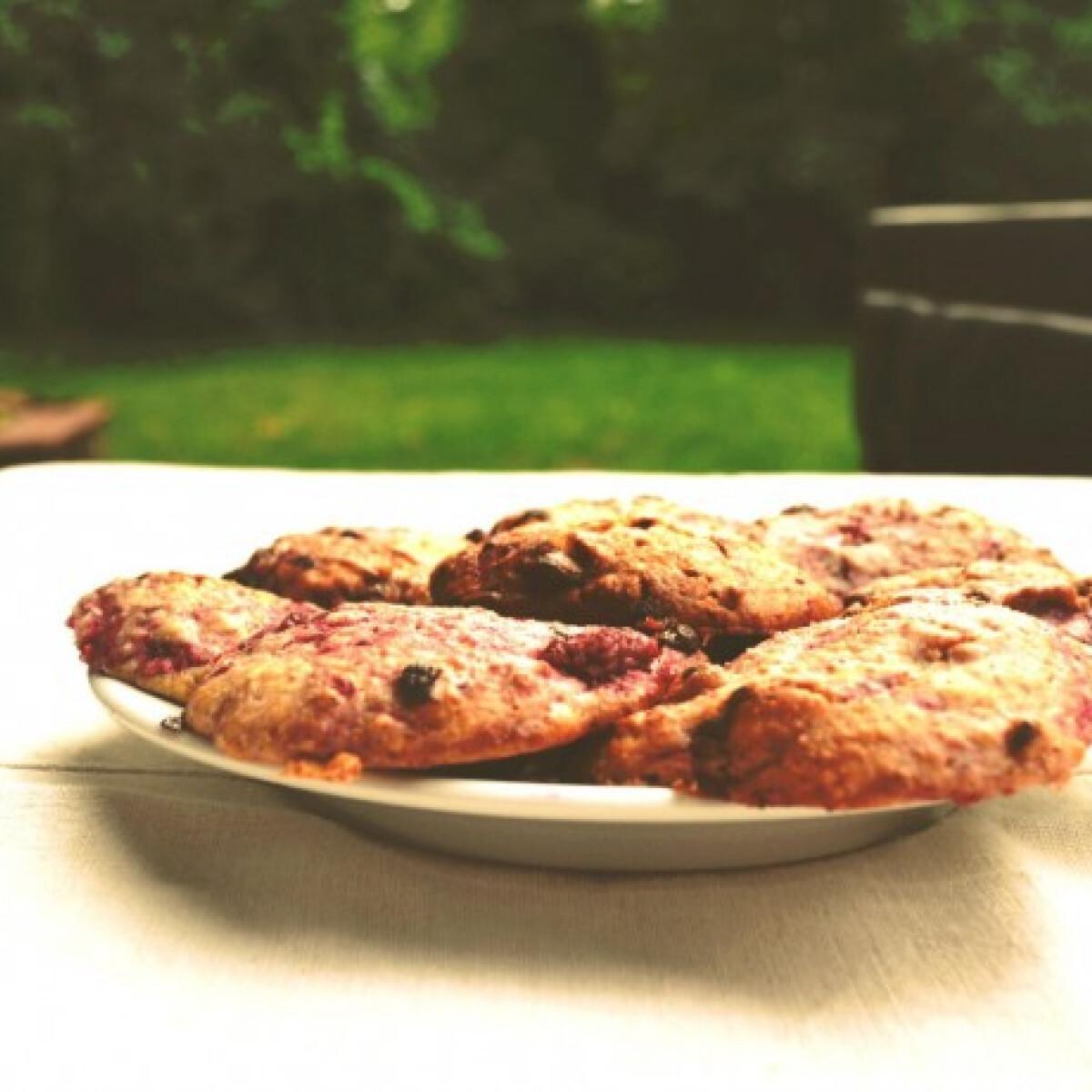 Ezen a képen: Epres-joghurtos keksz