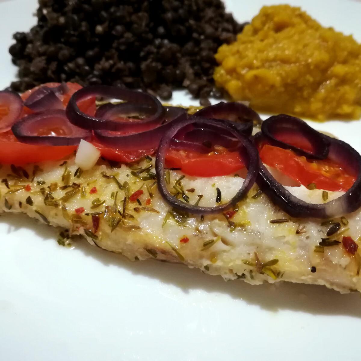 Ezen a képen: Vajon sült hal zöldségekkel