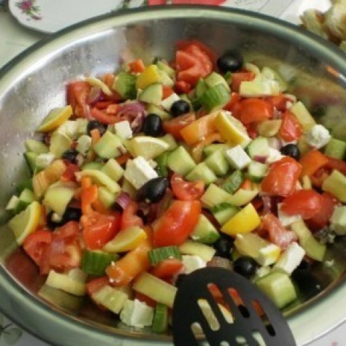 Ezen a képen: Görög saláta - kalforniai paprikával