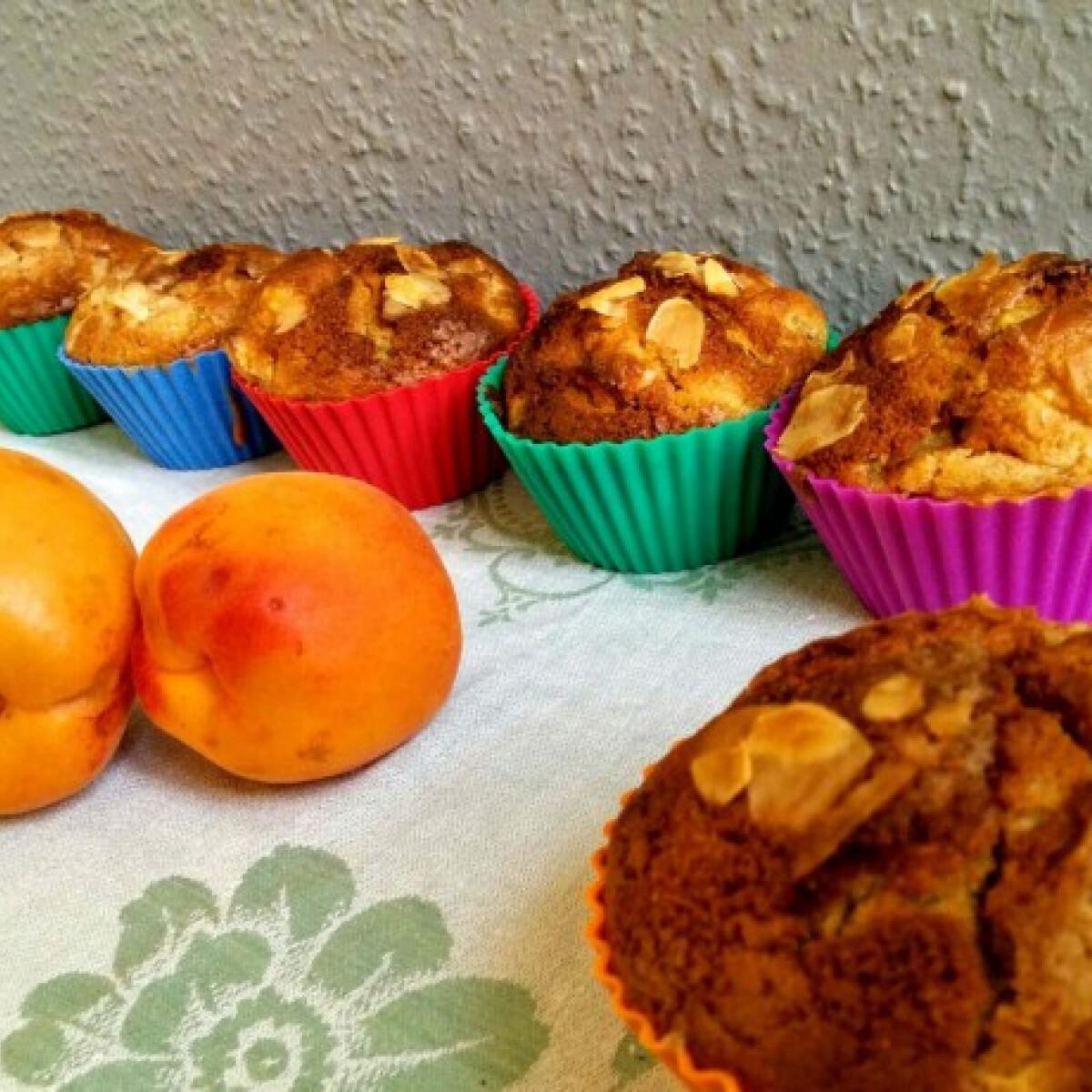 Ezen a képen: Cukormentes barackos muffin zablisztből