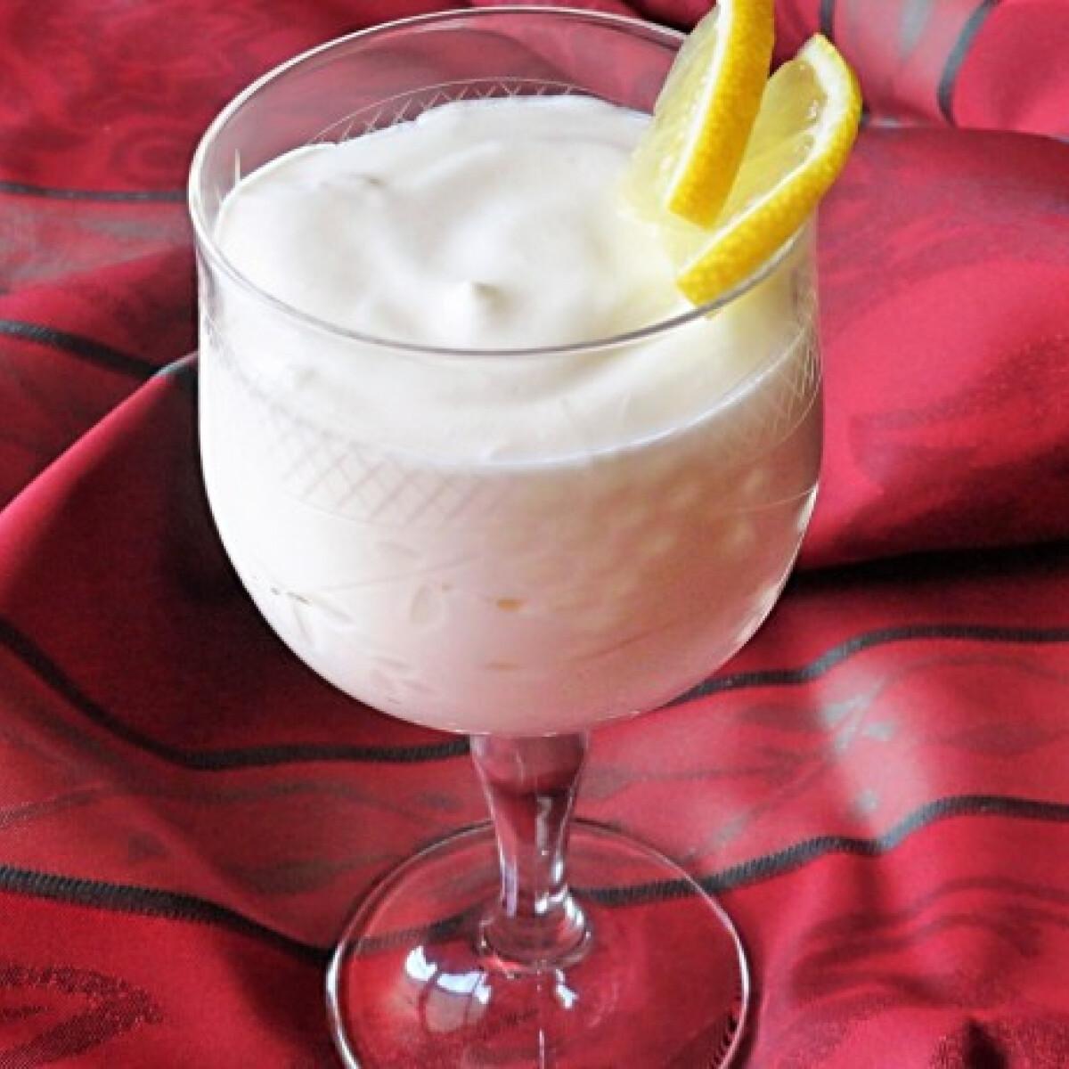 Limoncellos joghurtkrém