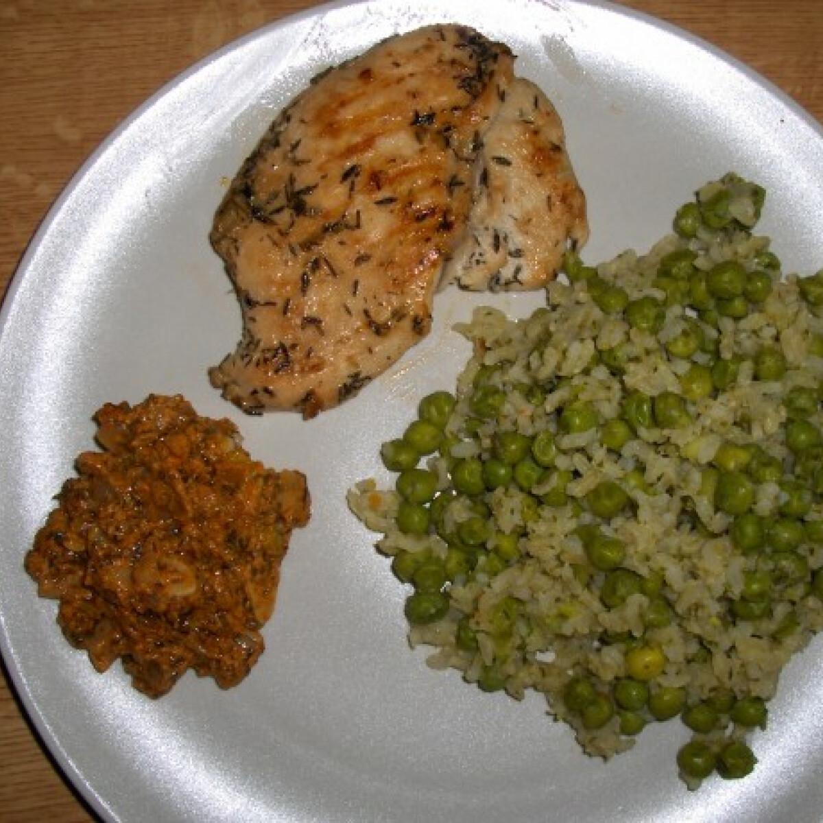 Ezen a képen: Grillezett csirke Thunder konyhájából