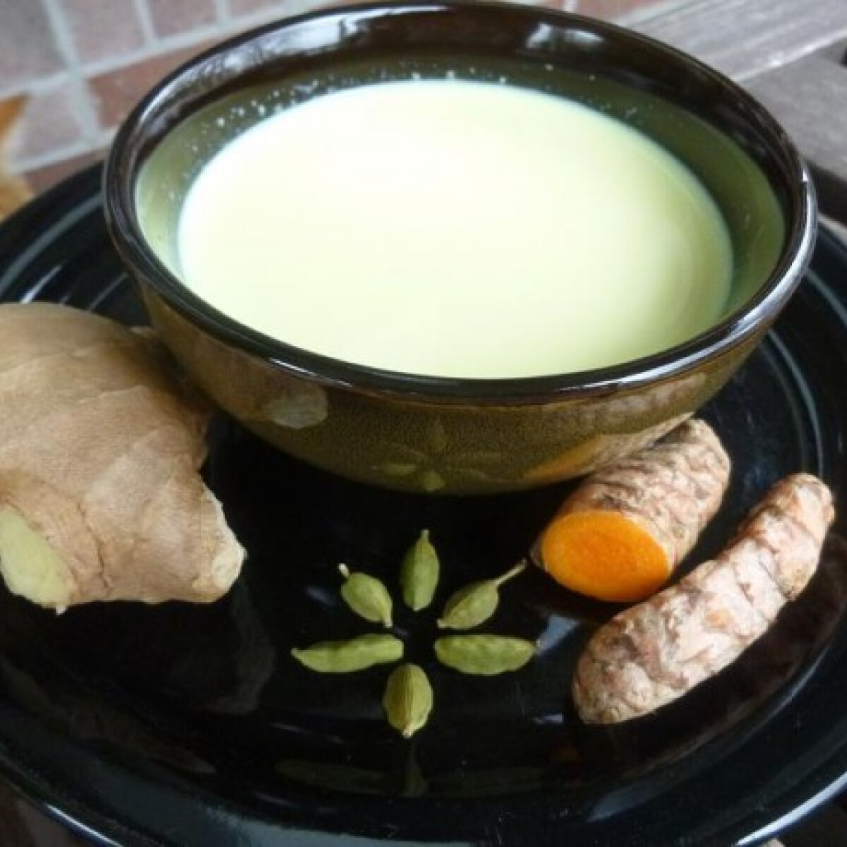 Ezen a képen: Indiai arany tej