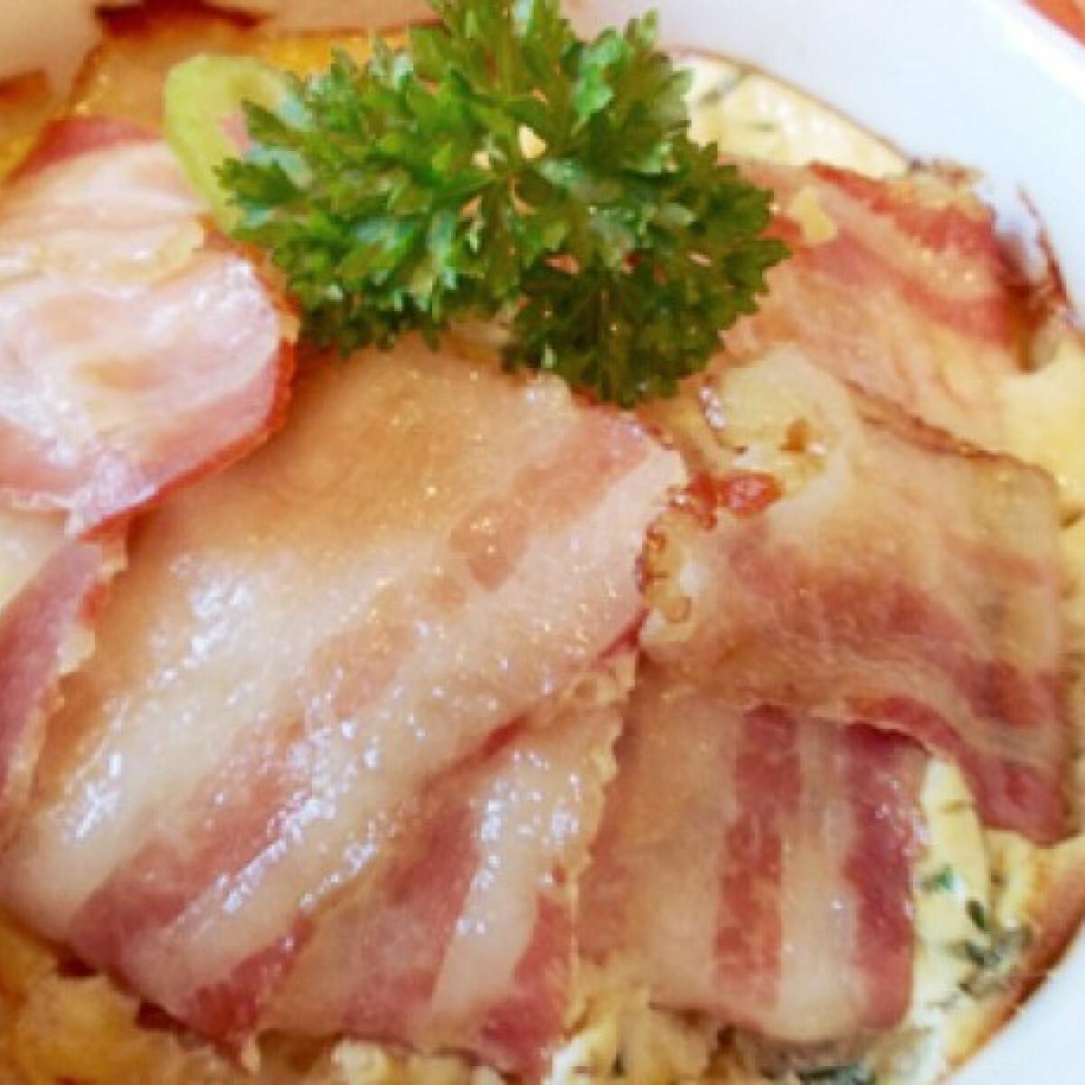 Tojás bacon köntösben