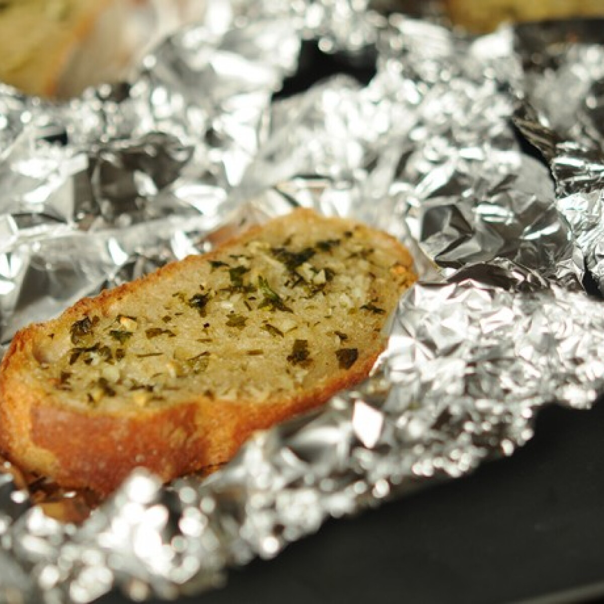 Ezen a képen: Garlic bread
