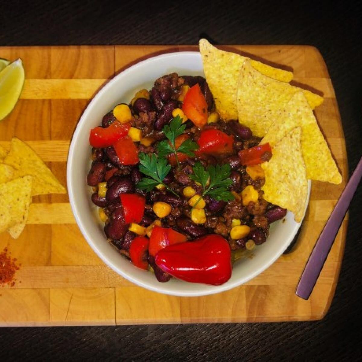 Ezen a képen: Chili con carne tillzoli konyhájából