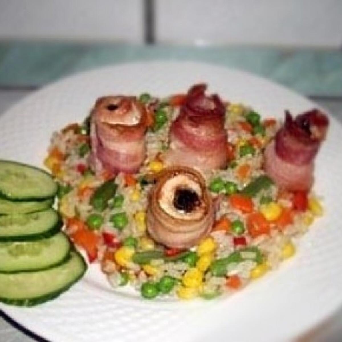 Ezen a képen: Baconba tekert aszalt szilvás pulykamell