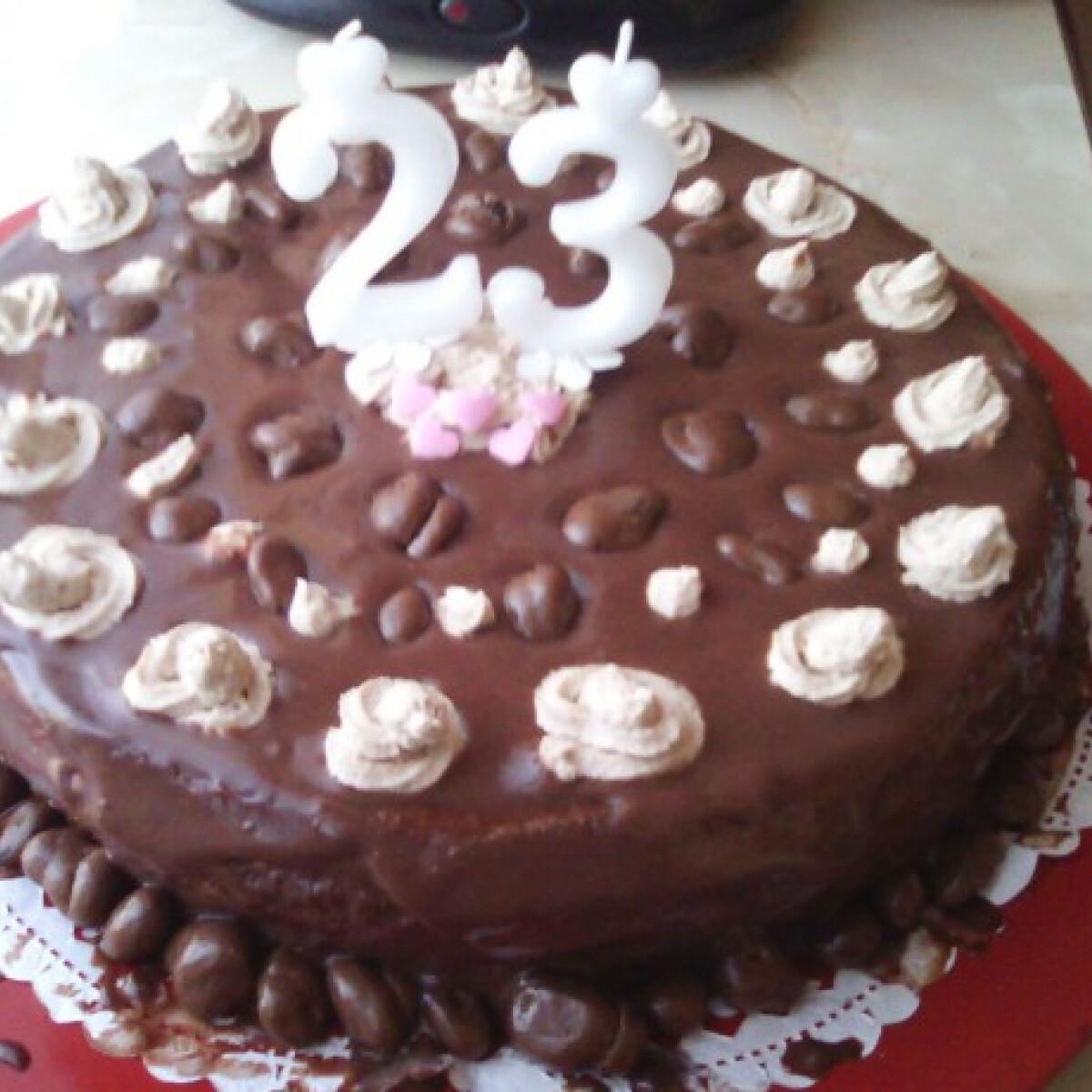 Ezen a képen: Tejcsoki torta Zitától