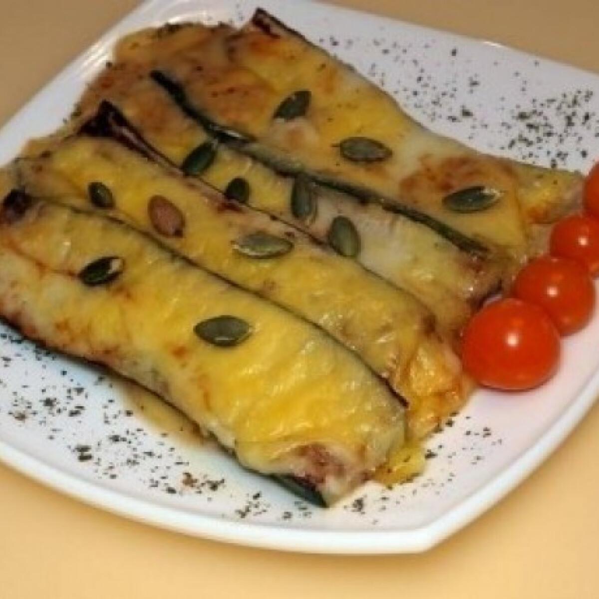 Ezen a képen: Gorgonzolás cukkini