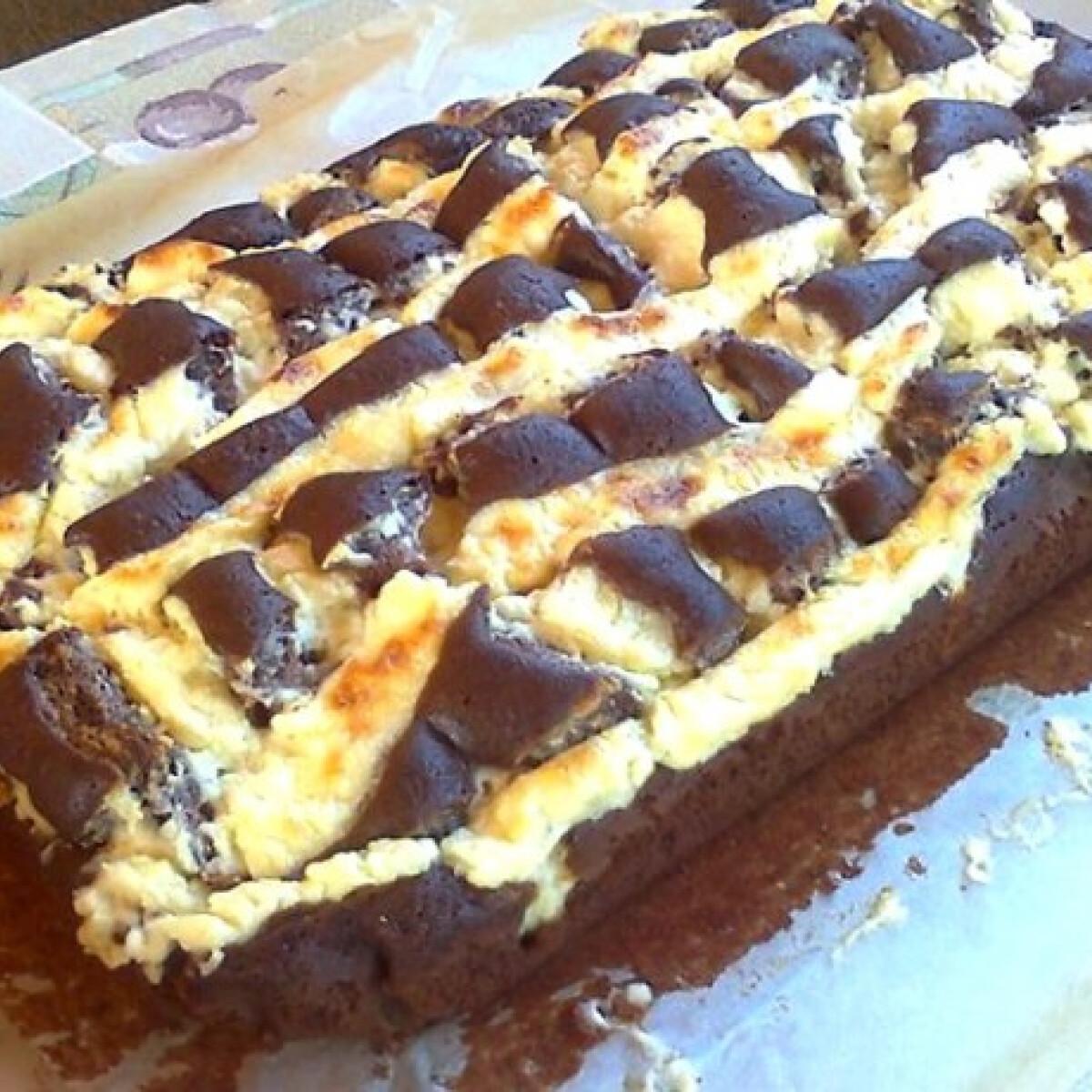 Ezen a képen: Vaníliás-túrós rácsos süti