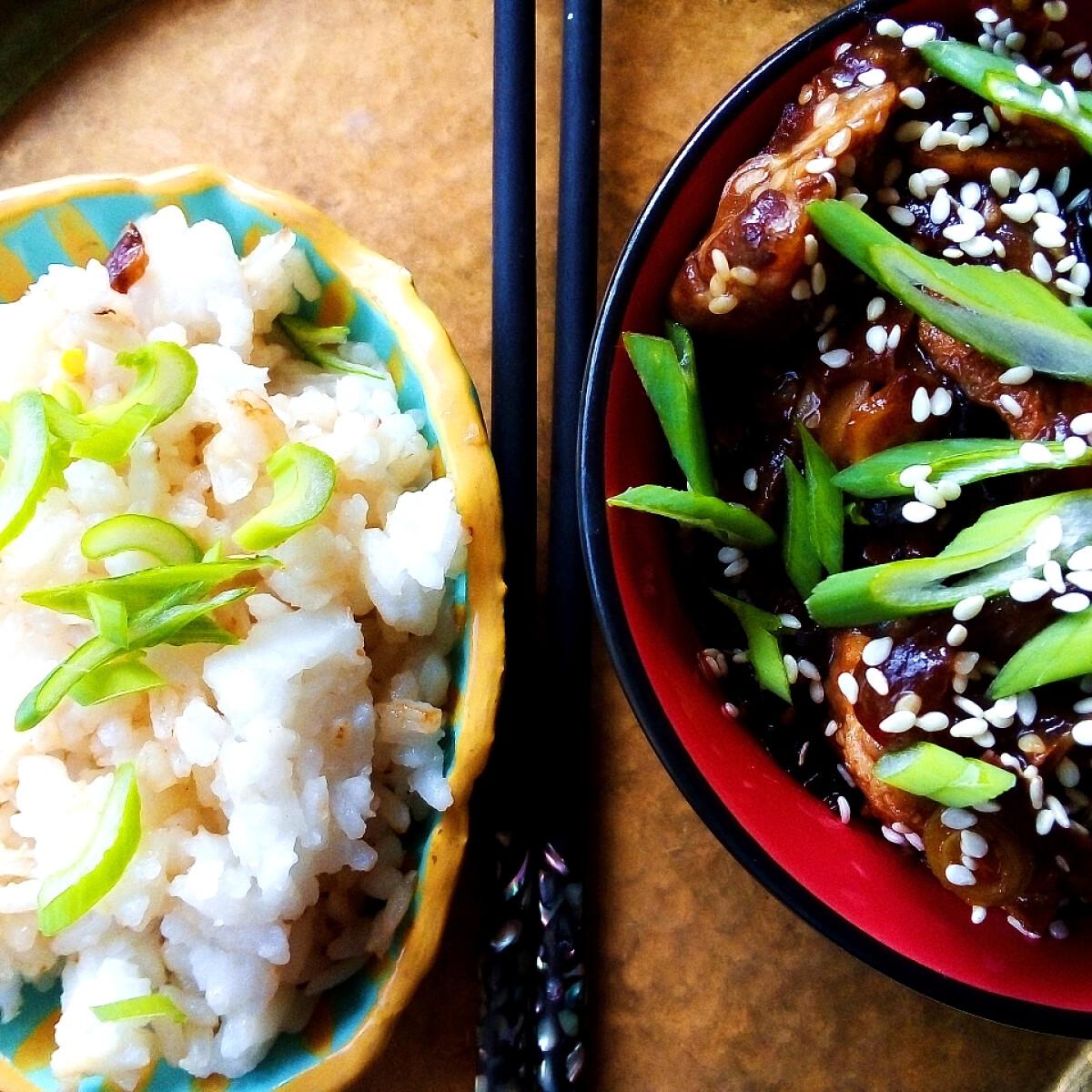 Ezen a képen: Moo shu sertés - kínai sertés, liliommal és uborkával