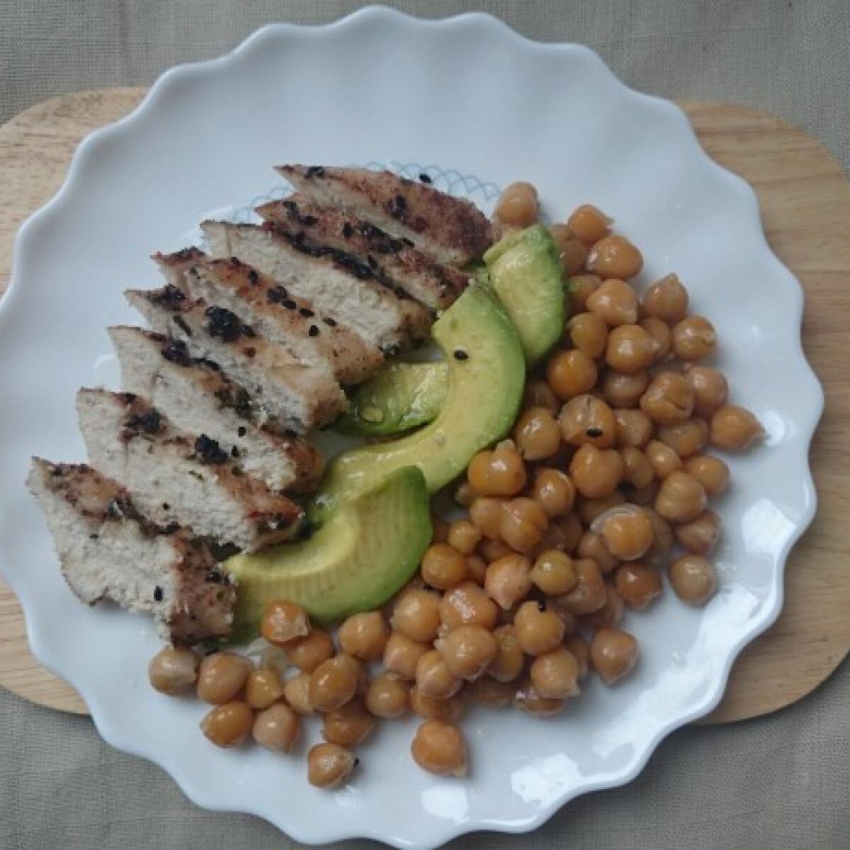 Ezen a képen: Ázsiai jellegű mézes-fűszeres csirkemell