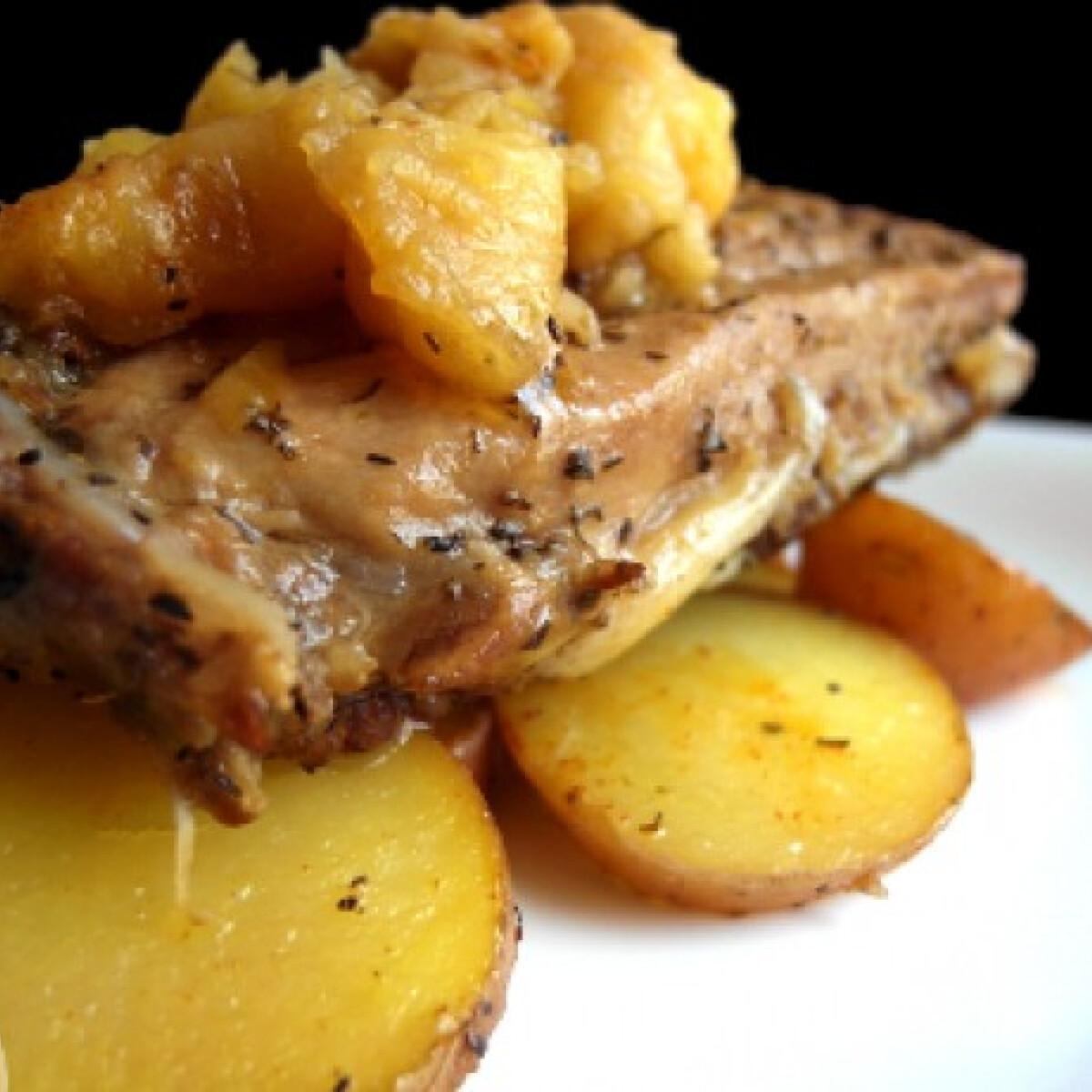 Ezen a képen: Tepsiben sült porcogó sült almával